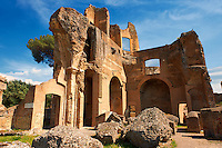 The Greek Library at Hadrian's Villa ( Villa Adriana ) built during the second and third decades of the 2nd century AD, Tivoli, Italy. A UNESCO World Heritage Site.
