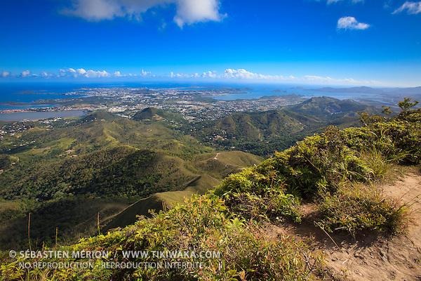 Sommet du Pic Malaoui, 652 mètres d'altitude au dessus de Nouméa
