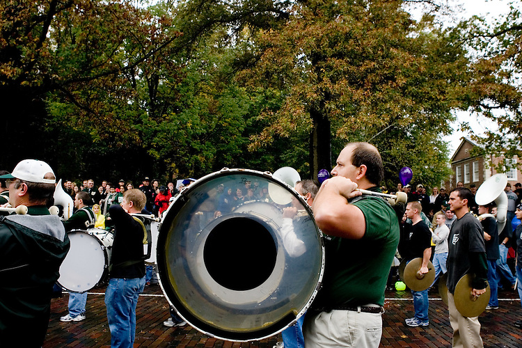 17195Homecoming 2005 Parade Photos Photos by Michael Rubenstein