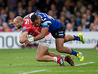 Gloucester Rugby's Charlie Sharples is tackled by Bath Rugby's Joe Cokanasiga<br /> <br /> Photographer Bob Bradford/CameraSport<br /> <br /> Gallagher Premiership - Bath Rugby v Gloucester Rugby - Saturday September 8th 2018 - The Recreation Ground - Bath<br /> <br /> World Copyright © 2018 CameraSport. All rights reserved. 43 Linden Ave. Countesthorpe. Leicester. England. LE8 5PG - Tel: +44 (0) 116 277 4147 - admin@camerasport.com - www.camerasport.com