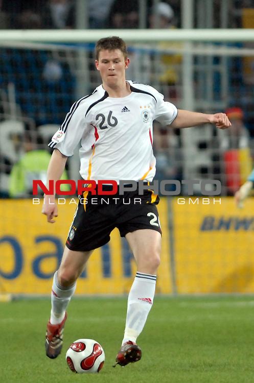 Freundschaftsspiel Vorbereitung EM 2007 <br /> <br /> Deutschland (GER) - Daenemark (DEN) 0 - 1<br /> <br /> Alexander Madlung (GER)<br /> <br /> Foto &copy; nph (  nordphoto  )  *** Local Caption ***