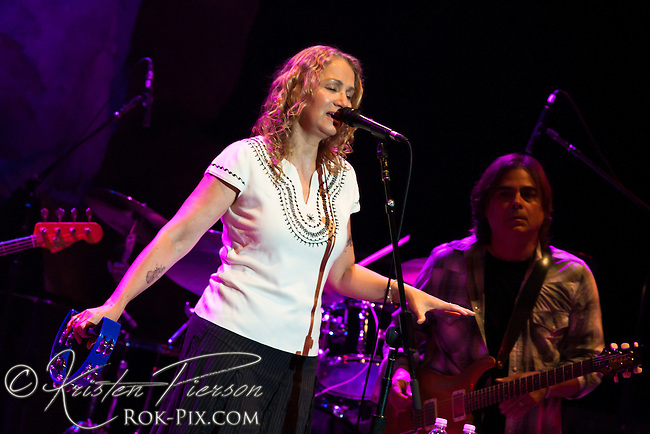 Joan Osborne performs at Mohegan Sun Wolf Den July 19, 2013