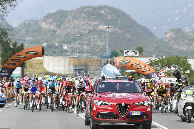 Km0 the start of Stage 20 of the 2018 Giro d'Italia, running 214km from Susa to Cervinia is the final mountain stage, with the last three climbs of Giro 101 deciding the GC of the Corsa Rosa, Italy. 26th May 2018.<br /> Picture: LaPresse/Fabio Ferrari | Cyclefile<br /> <br /> <br /> All photos usage must carry mandatory copyright credit (© Cyclefile | LaPresse/Fabio Ferrari)