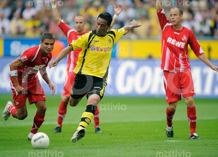 Fussball   1. Bundesliga   1. Spieltag    Saison 2009/2010 Borussia Dortmund - 1. FC Koeln        08.08.09 Lucas BARRIOS (Dortmund), Einzelaktion am Ball.