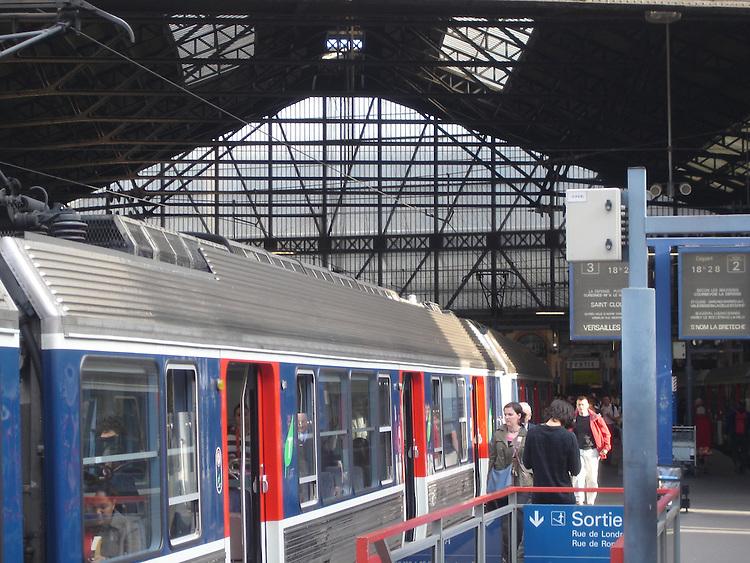 Gare Saint Lazare, Paris Paris tourist sights