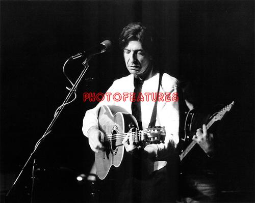 Leonard Cohen 1976<br />&copy; Chris Walter