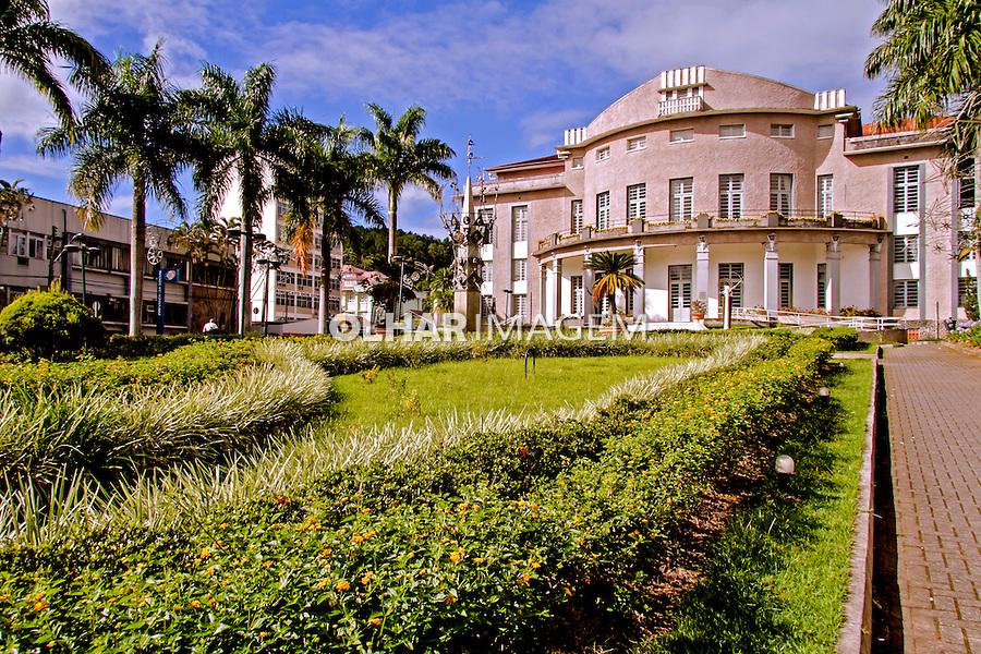 Edificio do Teatro Carlos Goems em Blumenau. Santa Catarina. 2013. Foto de Andre Arcenio.