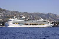 - France, French Riviera, cruise ship in the bay of Villefranche sur Mer<br /> <br /> - Francia, Costa Azzurra, nave da crociera nella baia di Villefranche sur Mer