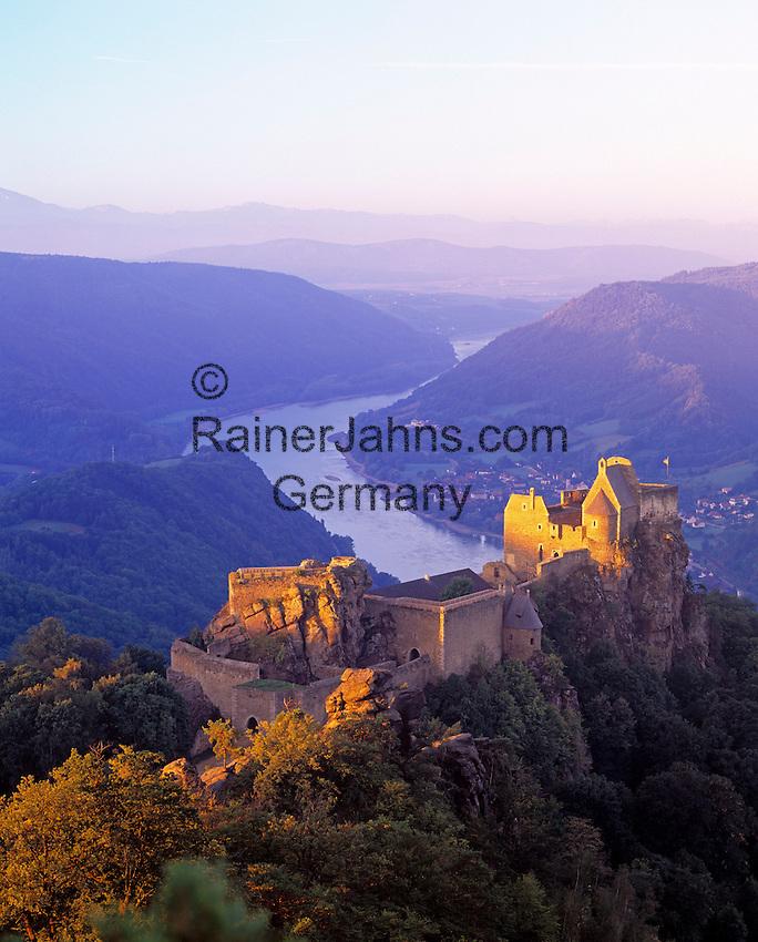 Austria, Lower Austria, Wachau, castle ruin Aggstein above river Danube