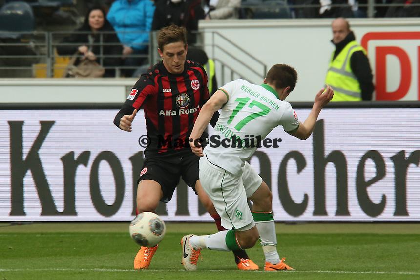 Bastian Oczipka (Eintracht) gegen Aleksandar Ignjovski (Werder) - Eintracht Frankfurt vs. SV Werder Bremen