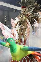 SÃO PAULO, SP, 16.02.2015  CARNAVAL 2015  SÃO PAULO  GRUPO DE ACESSO / LEANDRO DE ITAQUERA  Marcelle Martins da escola de samba Leandro de Itaquera durante desfile do grupo de acesso do Carnaval de São Paulo, na madrugada desta segunda-feira, (16). (Foto: Marcos Moraes / Brazil Photo Press).
