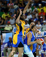 BARRANQUILLA - COLOMBIA, 22-07-2018: Guatemala (Azul) vs Trinidad y Tobago, baloncesto femenino. Juegos Centroamericanos y del Caribe Barranquilla 2018. / Guatemala (Blue) vs Trinidad and Tobago (Yellow), women's basketball of the Central American and Caribbean Sports Games Barranquilla 2018. Photo: VizzorImage / Contribuidor