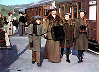 The Railway Children (1970) <br /> Jenny Agutter, Sally Thomsett, Gary Warren &amp; Dinah Sheridan<br /> *Filmstill - Editorial Use Only*<br /> CAP/KFS<br /> Image supplied by Capital Pictures