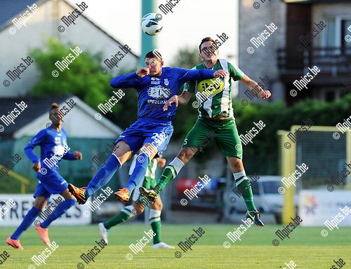 2012-08-18 / Voetbal / seizoen 2012-2013 / Racing Mechelen - Grimbergen / Quentin Laurent in duel met Bert Tuteleers (r. RCM) ..Foto: Mpics.be