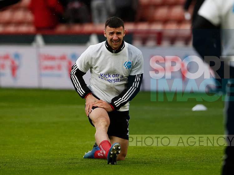 Enda Stevens of Sheffield Utd warms up in heads up t-shirt during the Premier League match at Bramall Lane, Sheffield. Picture date: 9th February 2020. Picture credit should read: Simon Bellis/Sportimage