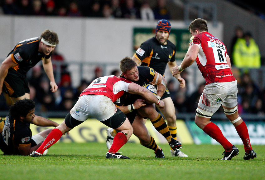 Photo: Richard Lane/Richard Lane Photography. London Welsh v London Wasps. 29/12/2012. Wasps' Phil Swainston attacks.