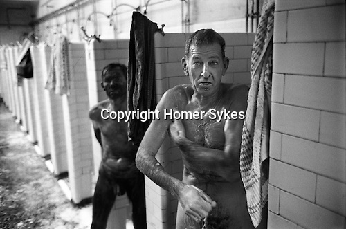 Snowdown Colliery, Snowdown Kent. 1976  Miners take a shower. 1970s Britain.