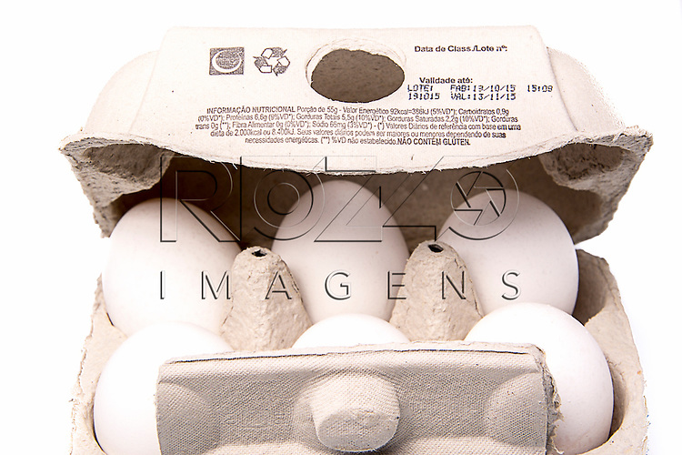 Caixa de ovos com as informações nutricionais, São Paulo - SP, 11/2015.