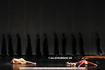 ORPHEE ET EURYDICE..Choregraphie : BAUSCH Pina..Costumes :..Avec :..MARTINEZ jose..KULMAN Elisabeth..RENAVAND Alice..DONEVA Svetlana..RANSON Charlotte..GUILMETTE Helene..Lieu : Opera Garnier..Ville : Paris..Le : 01 02 2008....© Laurent Paillier / www.photosdedanse.com..All rights reserved