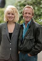 ARCHIVE: LONDON, UK: 20th June 1988: Paul Hogan & Linda Kozlowski in London to promote Crocodile Dundee II.<br /> File photo © Paul Smith/Featureflash