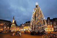 Nederland Haarlem  2016. Kerstboom op de Grote Markt.  Foto Berlinda van Dam / Hollandse Hoogte