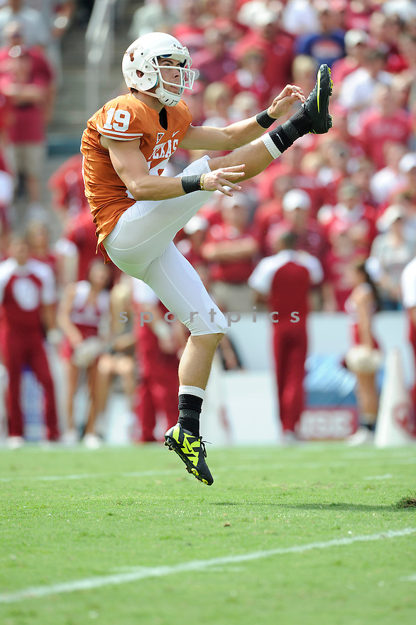 JUSTIN TUCKER, of the Texas Longhorns, in action during the Longhorns game against the Oklahoma Sooners on October 8, 2011 at Gaylord Family-Oklahoma Memorial Stadium in Norman, OK. Oklahoma beat Texas 55-17.