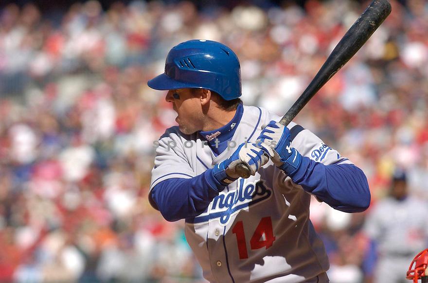 Bill Mueller, of the LA Dodgers in action against the Philadelphia Phillies in Philadelphia on April 9, 2006...Dodgers win 6-2..Chris Bernacchi / SportPics