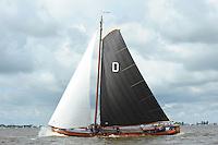 SKUTSJESILEN:  : 2011, SKS skûtsjesilen, skûtsje Drachten, Twee Gebroeders, schipper Albert Visser, ©foto Martin de Jong