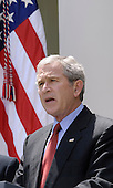 United States President George W. Bush makes remarks on CAFE standards and alternative fuel standards, in the Rose Garden of the White House in Washington, D.C. on May 14, 2007.<br /> Credit: Carol T. Powers / Pool via CNP
