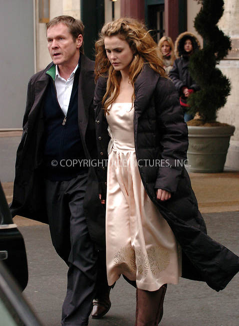 """WWW.ACEPIXS.COM . . . . .  ....NEW YORK, MARCH 9, 2006....Keri Russell seen filiming on the set of """"August Rush"""" in New York City.....Please byline: AJ Sokalner - ACEPIXS.COM.... *** ***..Ace Pictures, Inc:  ..Philip Vaughan (212) 243-8787 or (646) 769 0430..e-mail: info@acepixs.com..web: http://www.acepixs.com"""
