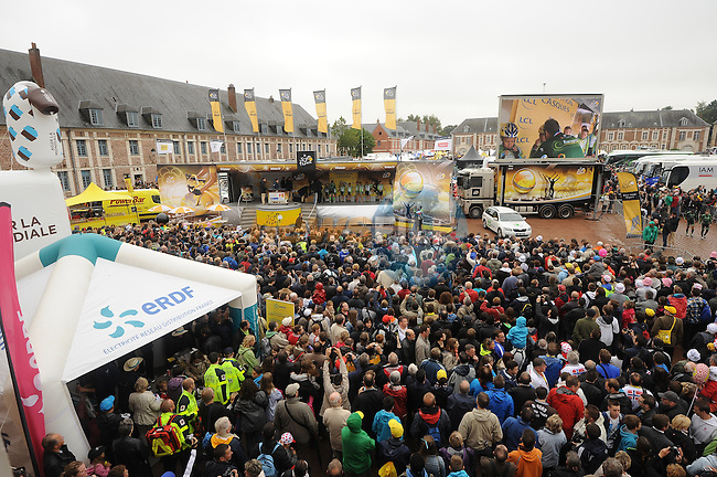 Big crowd at the sign on before the start of stage Stage 6 of the 2014 Tour de France running 194km from Arras to Reims. 10th July 2014.<br /> Picture: ASO/B.Bade/www.newsfile.ie