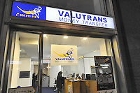 - Milano, ufficio di money transfer in via Padova<br /> <br /> - Milan, money transfer office in Padova street
