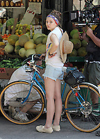 Elizabeth Olsen on the set of &quot;Very Good Girls&quot; in Brooklyn, New York, 12.07.2012...Credit: Rolf Mueller/face to face /MediaPunch Inc. ***FOR USA ONLY*** ***Online Only for USA Weekly Print Magazines*** /*NORTEPHOTO*<br />
