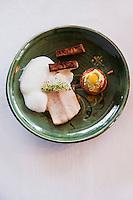Europe/France/Rhône-Alpes/74/Haute-Savoie/Manigod:  Féra du lac Leman avec sa carbonara de poireaux, sa terrine de champignons, son tabac d'herbes recette d'Eric Guelpa - Chalets-Hotels de la Croix Fry