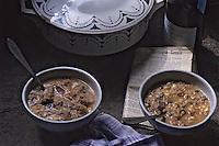 Europe/France/Auvergne/15/Cantal: La soupe au fromage