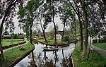 Nederland,Giethoorn, Overijssel, 05-09-2014.<br /> Natuur reservaat , natuurgebied, Giethoorn, ook wel bekend als het Veneti&euml; van het Noorden. watersport, recreatie, <br /> foto Michael Kooren/Hollandse Hoogte