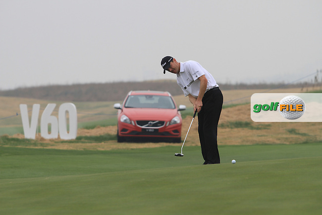 Michael Hoey (NIR) on the 5th on day 1 of the 2012 Volvo China Open at Binhai Lake Golf Club, Tianjin, China...(Photo Jenny Matthews/www.golffile.ie)