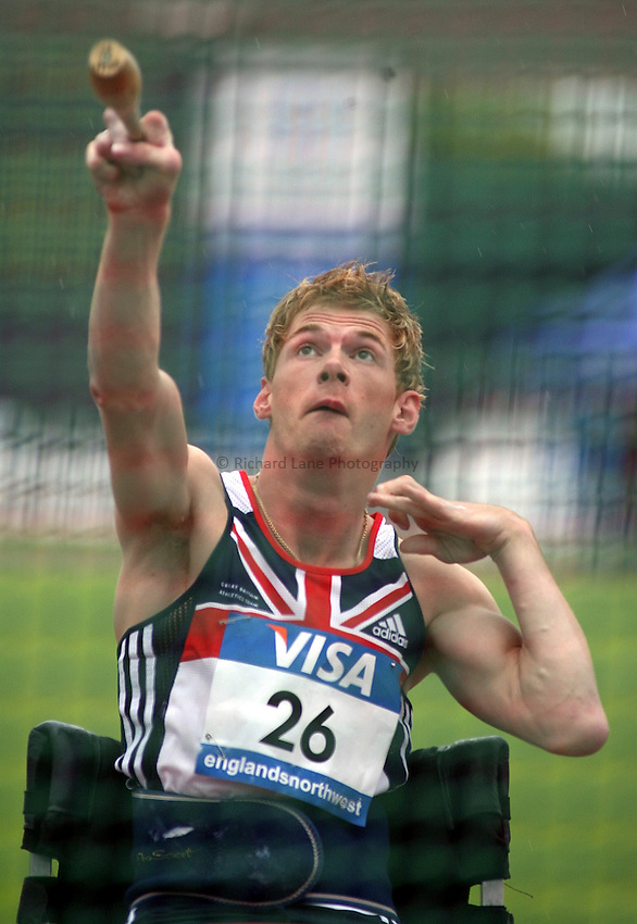 Photo: Paul Thomas..VISA Paralympic World Cup 2007. Athletics. 13/05/2007. .Stephen Miller of Great Britain in the men's F32/51 club.