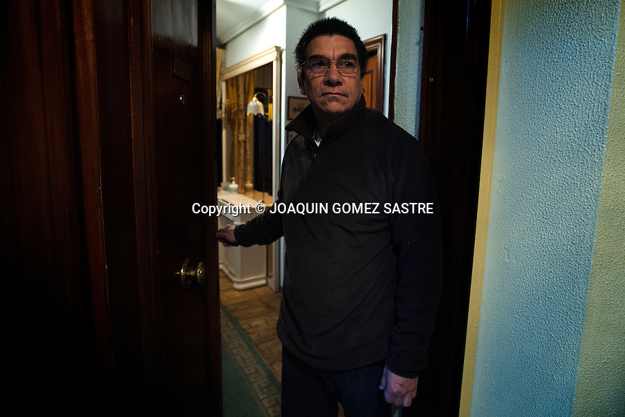 .Eviction Alirio olaya Colombian citizen in Besaya Avenue number 16 Torrelavega, Cantabria.Ante inability to continue paying the mortgage on your house Alirio receives an eviction notice and have to leave your home..photo © JOAQUIN GOMEZ SASTRE