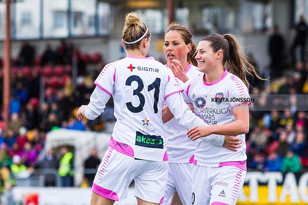 Solna 2014-04-13 Fotboll Damallsvenskan AIK - FC Roseng&aring;rd :  <br /> Roseng&aring;rds Anja Mittag har gjort 1-0 och gratuleras av Roseng&aring;rds Ramona Bachmann och Roseng&aring;rds Sara Bj&ouml;rk Gunnarsdottir <br /> (Foto: Kenta J&ouml;nsson) Nyckelord:  AIK Gnaget FC Roseng&aring;rd Malm&ouml; jubel gl&auml;dje lycka glad happy