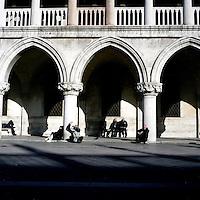 Venezia: turisti in Piazza San Marco..Venice: tourist in San Marco Square