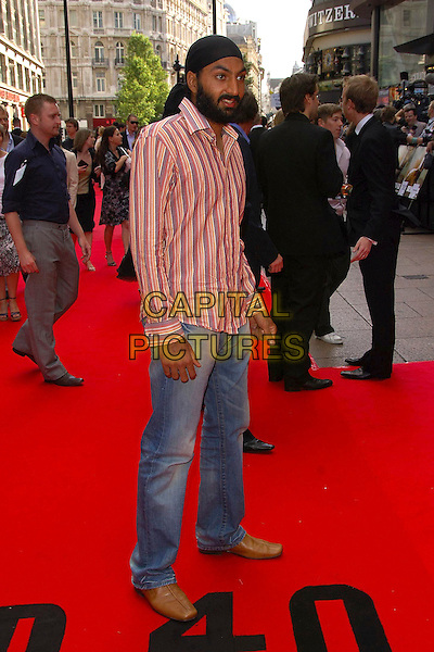 "MONTY PANESAR.UK premiere of ""Die Hard 4.0: Live Free or Die Hard"" at the Empire Leicester Square, London, England. .June 20th, 2007.full length black bandana headscarf jeans denim brown shoes red striped stripes shirt .CAP/CAS.©Bob Cass/Capital Pictures"