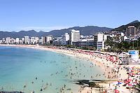 RIO DE JANEIRO,25 DE JANEIRO DE 2012- Movimentação  na  praia de  Copacabana- RJ. <br /> Foto: Guto Maia/ News Free