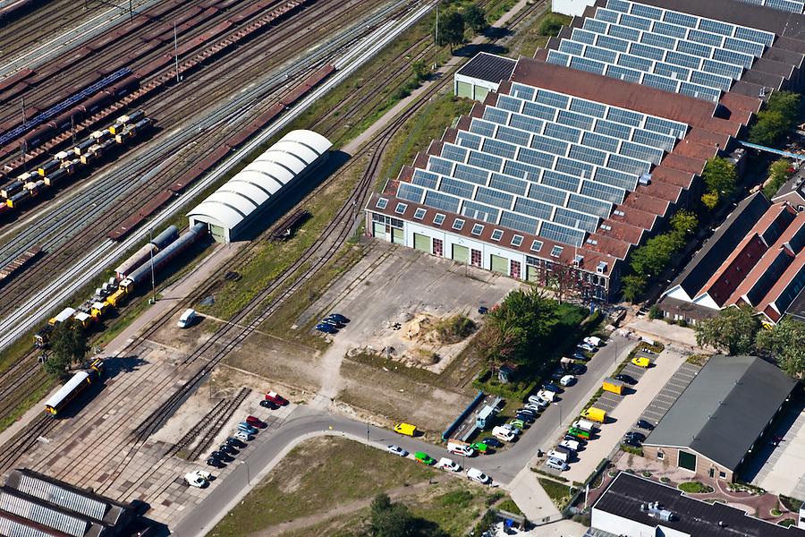 Nederland, Utrecht, Amersfoort, 06-09-2010; spooremplacement van station Amersfoort, rechts  Wagenwerkplaats..Rail yards Amersfoort Station.luchtfoto (toeslag), aerial photo (additional fee required).foto/photo Siebe Swart