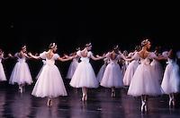 """Europe-Asie/Russie/Saint-Petersbourg: Théatre """"Mariinsky"""" ballet du Kirov - Carmen"""