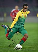 FUSSBALL   INTERNATIONAL   Testspiel    Albanien - Kamerun       14.11.2012 Joel Matip (Kamerun) am Ball