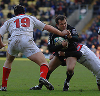 2005/06, Heineken Cup, 4th Rd, Sarries Thomas Castaignede, look tries to go through the gap. Saracens vs Ulster, Vicarage Road, ENGLAND   © Peter Spurrier/Intersport Images - email images@intersport-images..