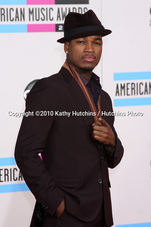 LOS ANGELES - NOV 21:  Ne-Yo arrives at the 2010 American Music Awards at Nokia Theater on November 21, 2010 in Los Angeles, CA