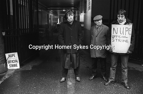Winter of Discontent London. NUPE official picket line prevent staff working in Westminster Hospital? London
