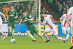 12.03.2018, Weser Stadion, Bremen, GER, 1.FBL, Werder Bremen vs 1.FC Koeln, im Bild<br /> <br /> Salih &Ouml;zcan / Oezcan (Koeln #20)<br /> Milot Rashica (Werder Bremen #11)<br /> Foto &copy; nordphoto / Kokenge
